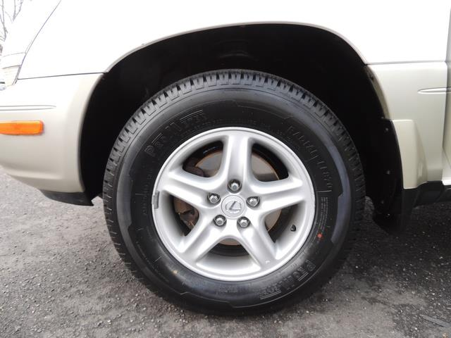 1999 Lexus RX 300 / AWD / Leather / Sunroof / Great Conditon - Photo 39 - Portland, OR 97217