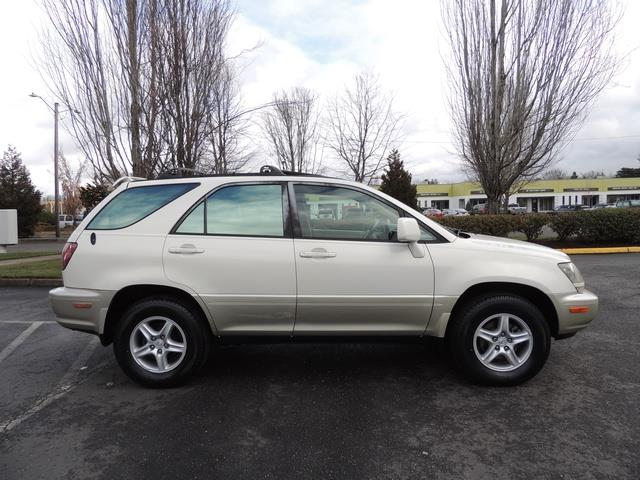 1999 Lexus RX 300 / AWD / Leather / Sunroof / Great Conditon - Photo 4 - Portland, OR 97217