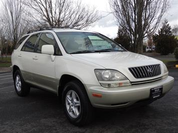 1999 Lexus RX 300 / AWD / Leather / Sunroof / Great Conditon SUV