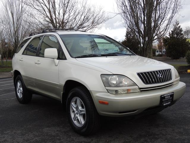 1999 Lexus RX 300 / AWD / Leather / Sunroof / Great Conditon - Photo 2 - Portland, OR 97217