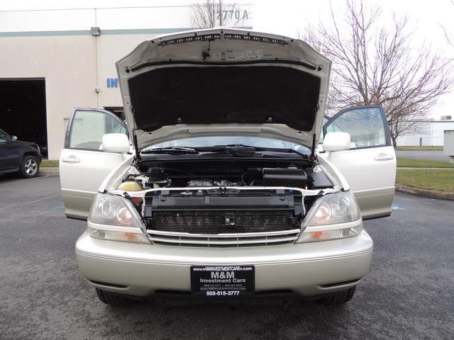 1999 Lexus RX 300 / AWD / Leather / Sunroof / Great Conditon - Photo 33 - Portland, OR 97217