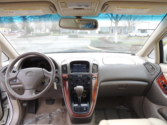 1999 Lexus RX 300 / AWD / Leather / Sunroof / Great Conditon - Photo 38 - Portland, OR 97217