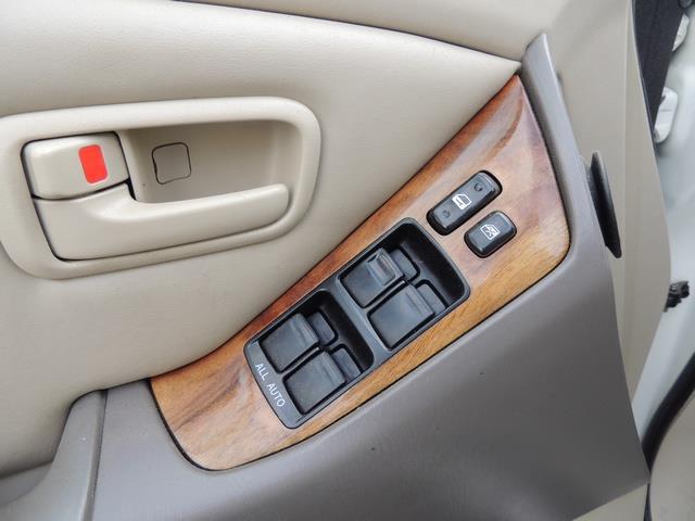 1999 Lexus RX 300 / AWD / Leather / Sunroof / Great Conditon - Photo 36 - Portland, OR 97217