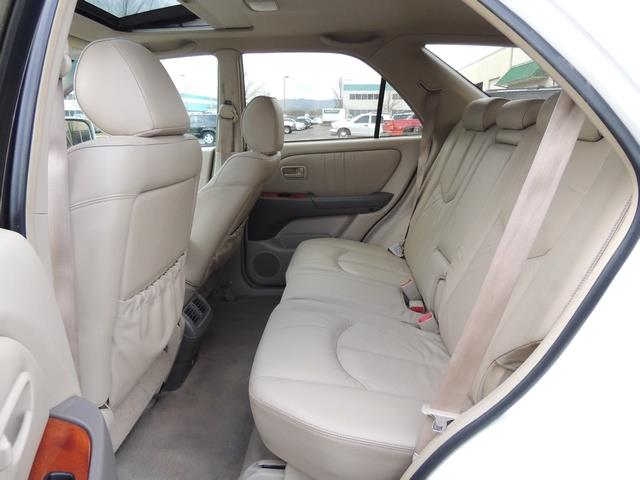 1999 Lexus RX 300 / AWD / Leather / Sunroof / Great Conditon - Photo 15 - Portland, OR 97217