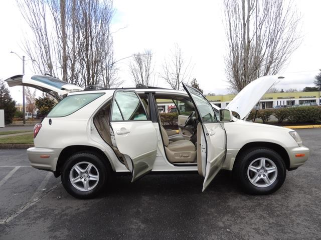 1999 Lexus RX 300 / AWD / Leather / Sunroof / Great Conditon - Photo 30 - Portland, OR 97217