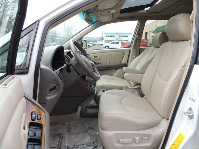 1999 Lexus RX 300 / AWD / Leather / Sunroof / Great Conditon - Photo 14 - Portland, OR 97217