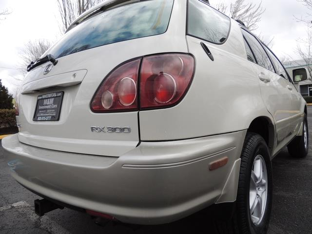 1999 Lexus RX 300 / AWD / Leather / Sunroof / Great Conditon - Photo 12 - Portland, OR 97217