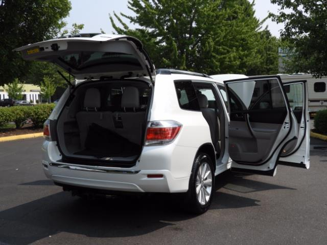 2011 Toyota Highlander Limited Hybrid 4WD 2-Owner 85Kmiles 3rdRow Leather - Photo 28 - Portland, OR 97217