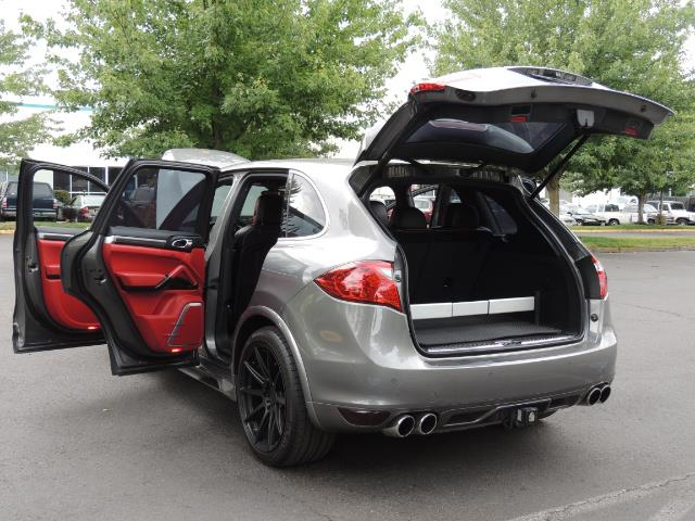 2014 Porsche Cayenne Turbo S / Panoramic Roof/ Burmester/  Niche Wheels - Photo 26 - Portland, OR 97217