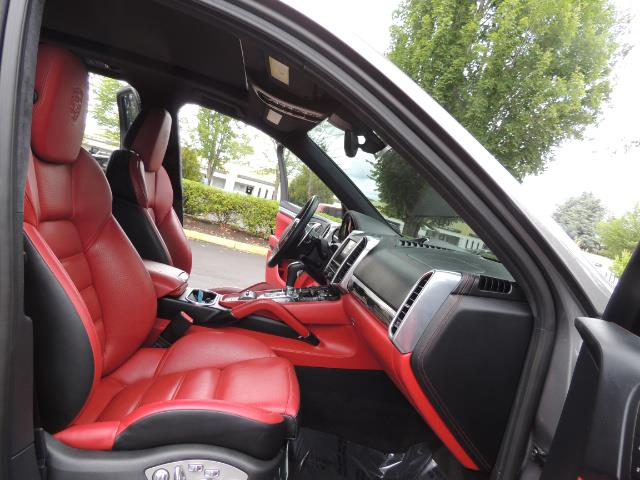 2014 Porsche Cayenne Turbo S / Panoramic Roof/ Burmester/  Niche Wheels - Photo 17 - Portland, OR 97217