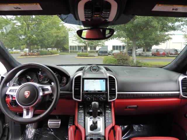 2014 Porsche Cayenne Turbo S / Panoramic Roof/ Burmester/  Niche Wheels - Photo 38 - Portland, OR 97217