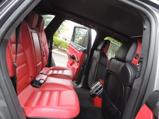 2014 Porsche Cayenne Turbo S / Panoramic Roof/ Burmester/  Niche Wheels - Photo 16 - Portland, OR 97217