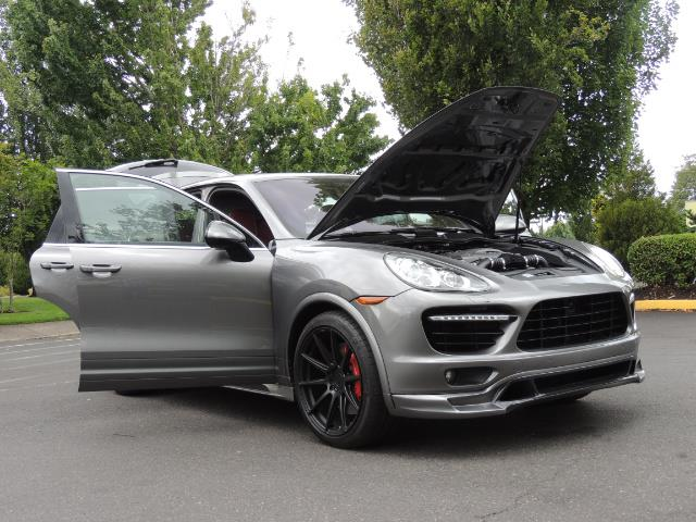 2014 Porsche Cayenne Turbo S / Panoramic Roof/ Burmester/  Niche Wheels - Photo 33 - Portland, OR 97217