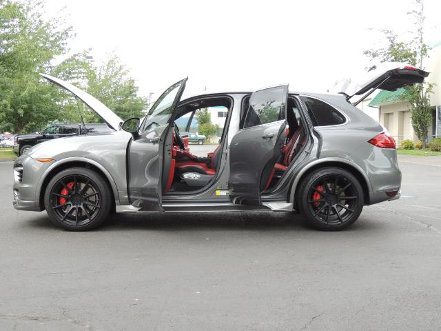 2014 Porsche Cayenne Turbo S / Panoramic Roof/ Burmester/  Niche Wheels - Photo 25 - Portland, OR 97217