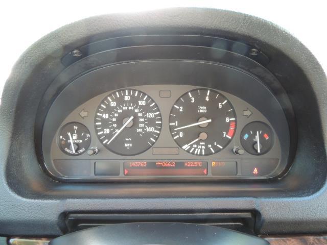 2005 BMW X5 3.0i / AWD / Leather / Heats Seats/ Panoramic Sunr - Photo 40 - Portland, OR 97217