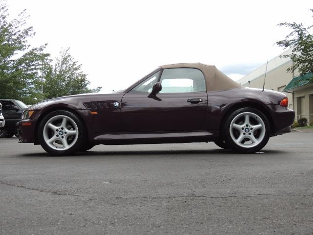 1998 BMW Z3 2.8 / Convertible / 5-SPEED / NEW TOP / Excel Cond - Photo 19 - Portland, OR 97217