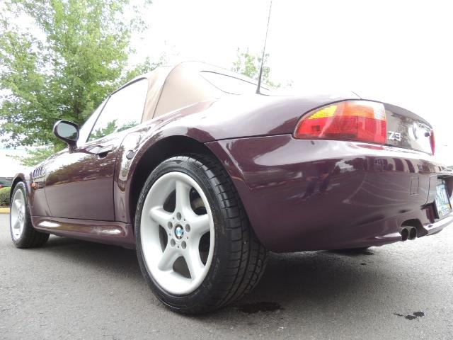 1998 BMW Z3 2.8 / Convertible / 5-SPEED / NEW TOP / Excel Cond - Photo 11 - Portland, OR 97217
