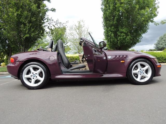 1998 BMW Z3 2.8 / Convertible / 5-SPEED / NEW TOP / Excel Cond - Photo 24 - Portland, OR 97217
