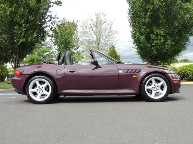 1998 BMW Z3 2.8 / Convertible / 5-SPEED / NEW TOP / Excel Cond - Photo 57 - Portland, OR 97217