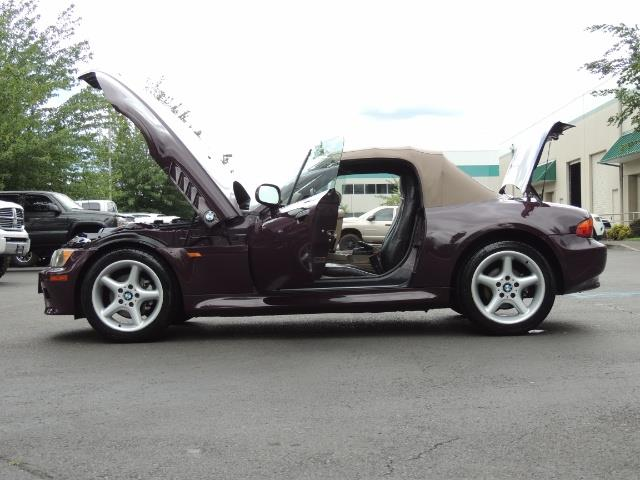 1998 BMW Z3 2.8 / Convertible / 5-SPEED / NEW TOP / Excel Cond - Photo 26 - Portland, OR 97217