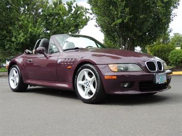 1998 BMW Z3 2.8 / Convertible / 5-SPEED / NEW TOP / Excel Cond Convertible