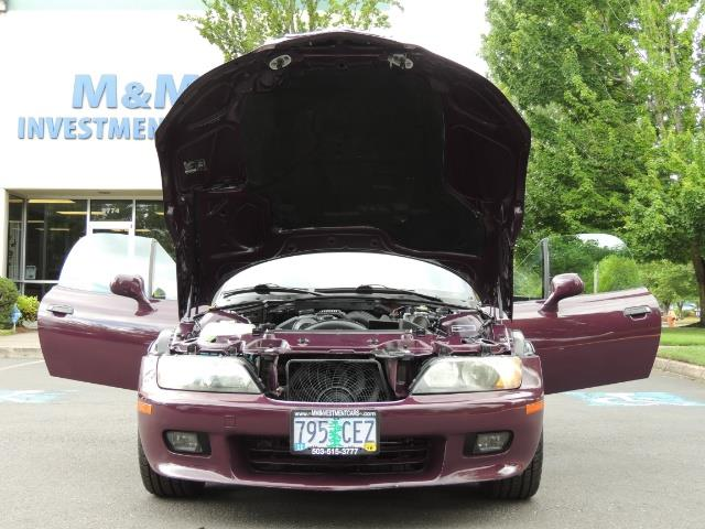 1998 BMW Z3 2.8 / Convertible / 5-SPEED / NEW TOP / Excel Cond - Photo 32 - Portland, OR 97217