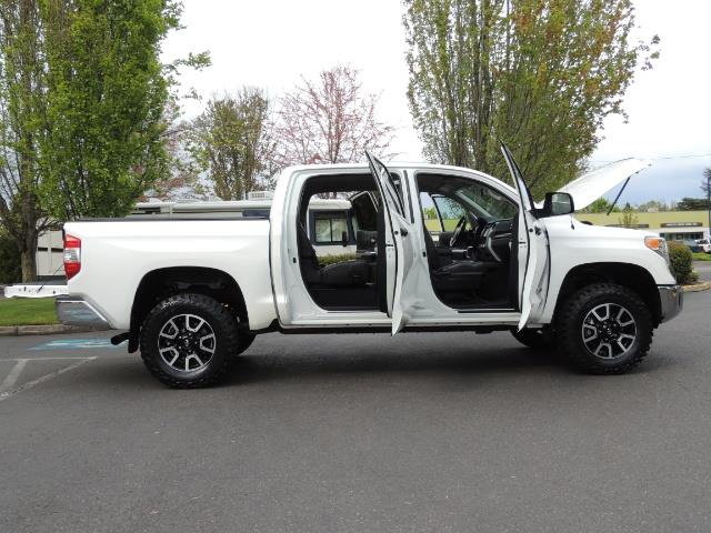 2014 Toyota Tundra SR5 / CrewMax / 4X4 / 5.7L / LEATHER / 1-Owner - Photo 30 - Portland, OR 97217