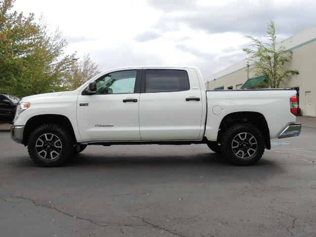 2014 Toyota Tundra SR5 / CrewMax / 4X4 / 5.7L / LEATHER / 1-Owner - Photo 3 - Portland, OR 97217