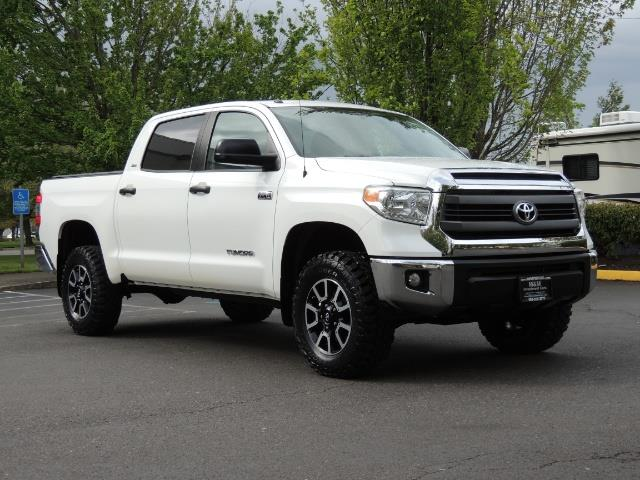2014 Toyota Tundra SR5 / CrewMax / 4X4 / 5.7L / LEATHER / 1-Owner - Photo 2 - Portland, OR 97217
