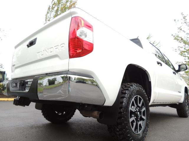 2014 Toyota Tundra SR5 / CrewMax / 4X4 / 5.7L / LEATHER / 1-Owner - Photo 12 - Portland, OR 97217