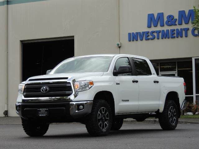 2014 Toyota Tundra SR5 / CrewMax / 4X4 / 5.7L / LEATHER / 1-Owner - Photo 45 - Portland, OR 97217