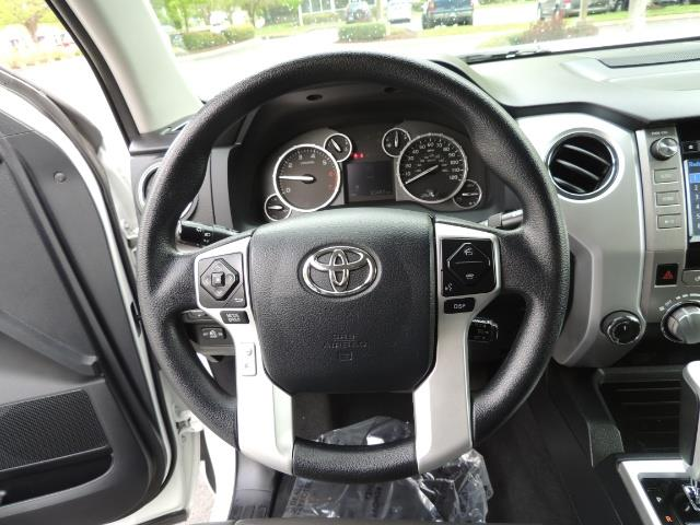2014 Toyota Tundra SR5 / CrewMax / 4X4 / 5.7L / LEATHER / 1-Owner - Photo 39 - Portland, OR 97217