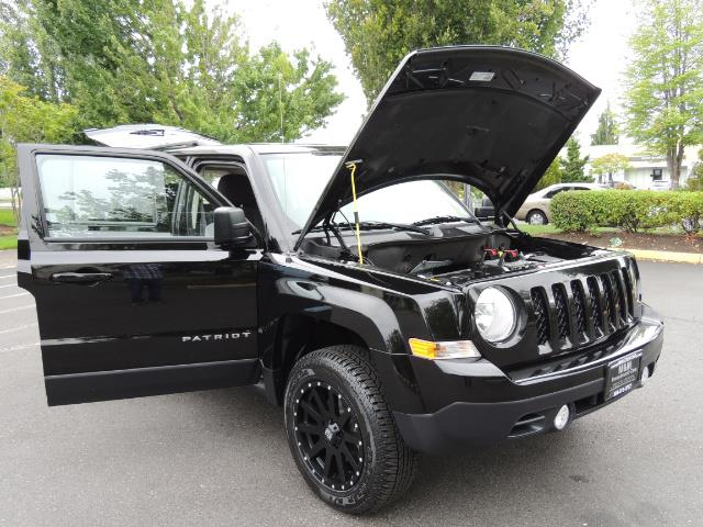 2016 Jeep Patriot Latitude / 4X4 / Heated Seats / LIFTED - Photo 31 - Portland, OR 97217