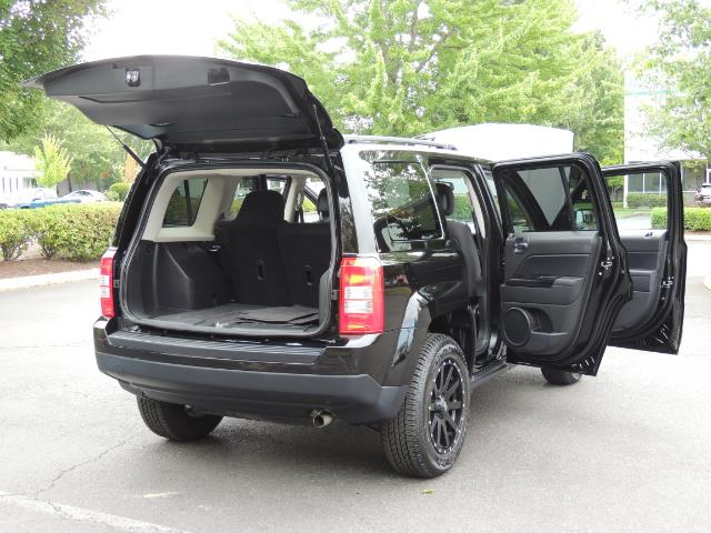 2016 Jeep Patriot Latitude / 4X4 / Heated Seats / LIFTED - Photo 29 - Portland, OR 97217