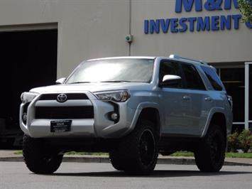 2016 Toyota 4Runner SR5 / 4WD / NAVIGATION / LIFTED LIFTED SUV