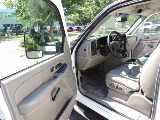 2007 Chevrolet Silverado 2500 LT / 4X4 / 6.6L DURAMAX DIESEL / 1-OWNER - Photo 13 - Portland, OR 97217