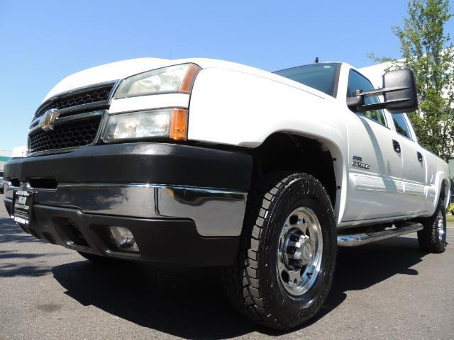 2007 Chevrolet Silverado 2500 LT / 4X4 / 6.6L DURAMAX DIESEL / 1-OWNER - Photo 9 - Portland, OR 97217