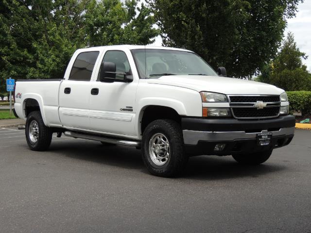 2007 Chevrolet Silverado 2500 LT / 4X4 / 6.6L DURAMAX DIESEL / 1-OWNER - Photo 2 - Portland, OR 97217