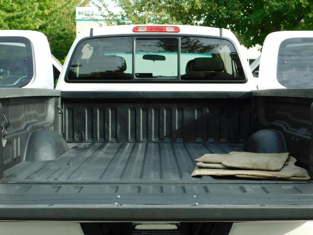 2003 Toyota Tundra Limited 4dr Access Cab Limited / 4X4 / 1-OWNER - Photo 28 - Portland, OR 97217