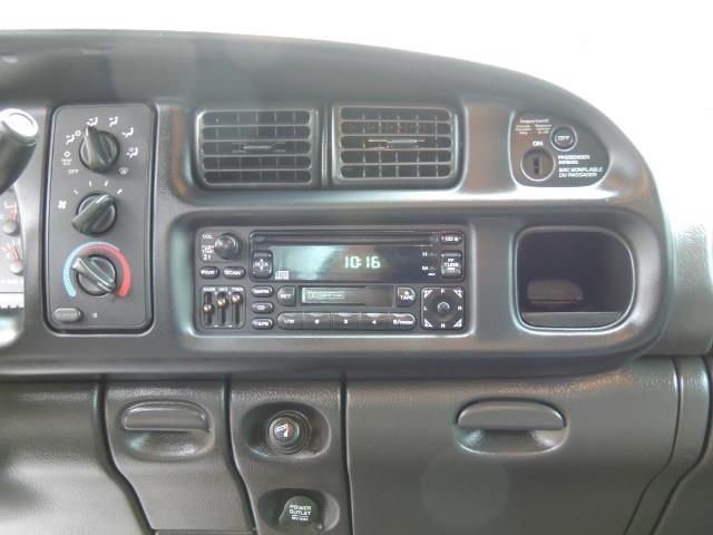 2001 Dodge Ram 2500 Quad Cab / 4X4 / 5.9 L Cummins Diesel / 102K MILES - Photo 33 - Portland, OR 97217