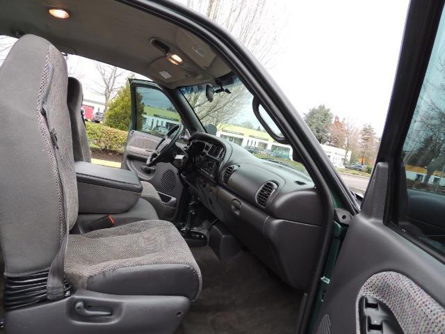2001 Dodge Ram 2500 Quad Cab / 4X4 / 5.9 L Cummins Diesel / 102K MILES - Photo 17 - Portland, OR 97217