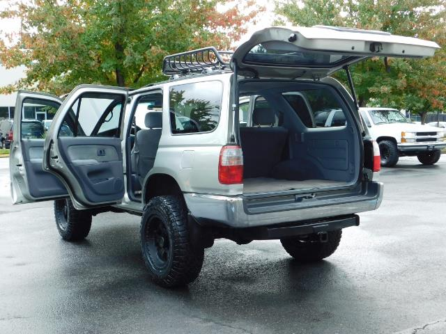 2000 Toyota 4Runner SR5 / 4WD / V6 3.4 L / Luggage Rack / LIFTED !! - Photo 25 - Portland, OR 97217