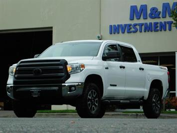 2015 Toyota Tundra SR5 / Crew Max / TRD OFF RD / 4X4 / Excel Cond Truck