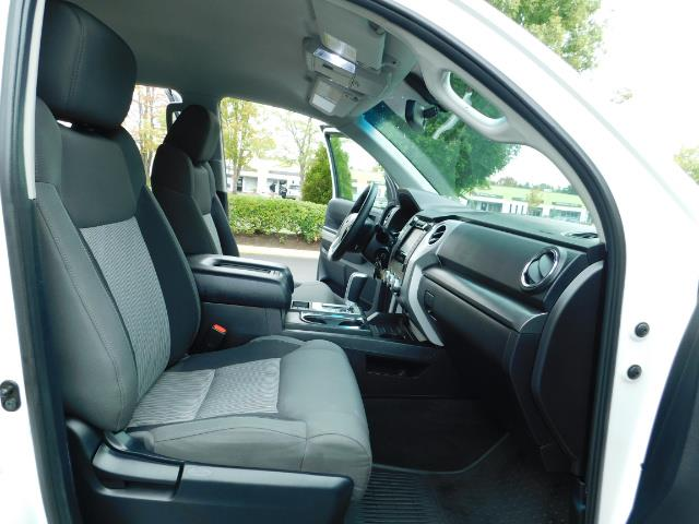 2015 Toyota Tundra SR5 / Crew Max / TRD OFF RD / 4X4 / Excel Cond - Photo 17 - Portland, OR 97217