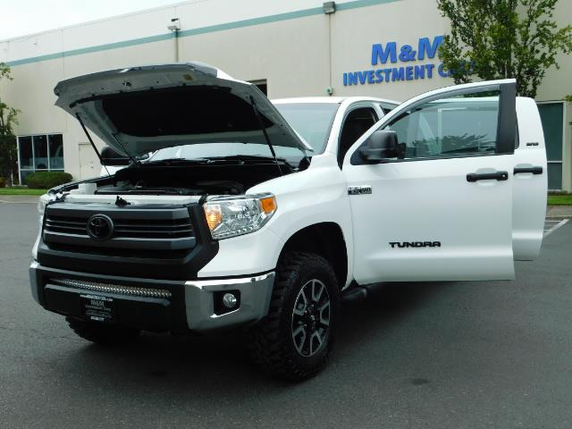 2015 Toyota Tundra SR5 / Crew Max / TRD OFF RD / 4X4 / Excel Cond - Photo 25 - Portland, OR 97217