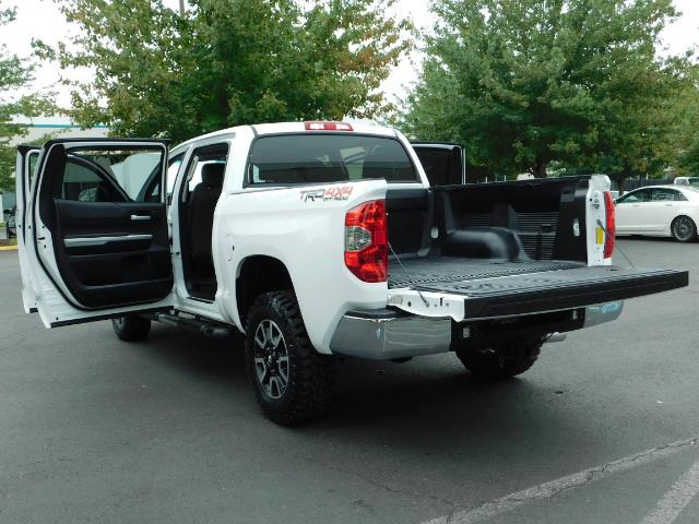 2015 Toyota Tundra SR5 / Crew Max / TRD OFF RD / 4X4 / Excel Cond - Photo 27 - Portland, OR 97217