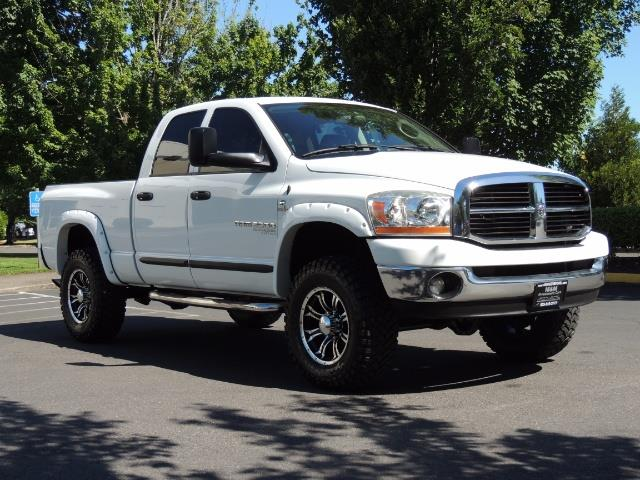 "2006 Dodge Ram 2500 Laramie 5.9L Quad Cab 4WD LIFTED / 35 ""MUD LOWMILES - Photo 2 - Portland, OR 97217"
