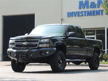 2005 Chevrolet Silverado 2500 LT 4dr Extended Cab LT / 4X4 / DURAMAX DIESEL Truck