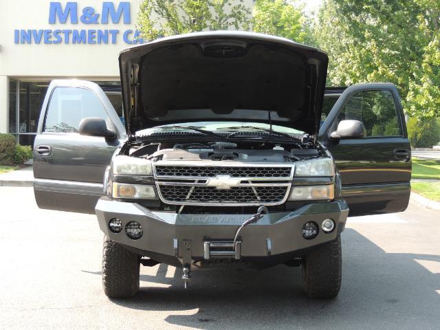 2005 Chevrolet Silverado 2500 LT 4dr Extended Cab LT / 4X4 / DURAMAX DIESEL - Photo 32 - Portland, OR 97217