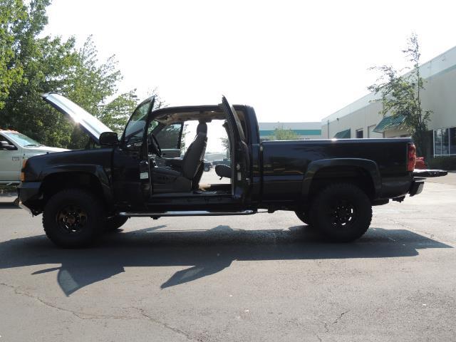 2005 Chevrolet Silverado 2500 LT 4dr Extended Cab LT / 4X4 / DURAMAX DIESEL - Photo 26 - Portland, OR 97217